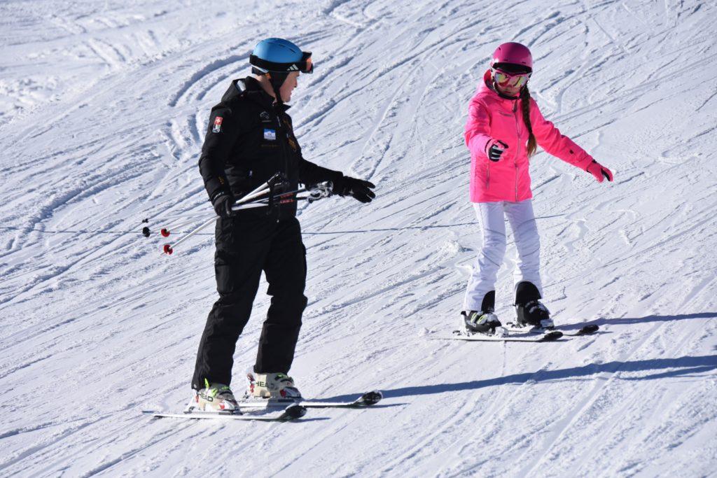 Обучение детей инструктор горные лыжи